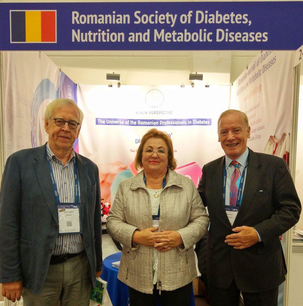 Viktor Jorgens (Membru de onoare al EASD), Prof. Maria Moţa, Sir Michel Hirst (Președinte IDF 2013-2015)